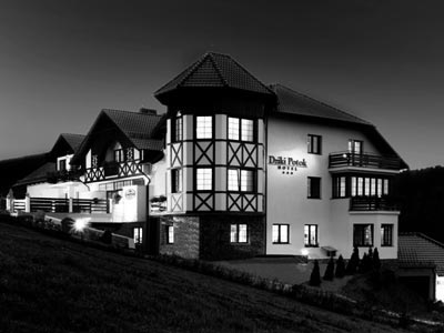 hotel_1_Sandra_black
