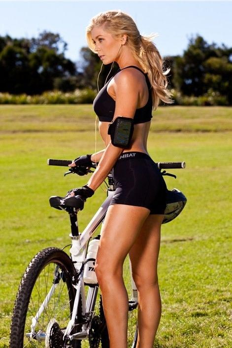 HOT MOUNTAIN BIKES - GIRLS ON RIGS