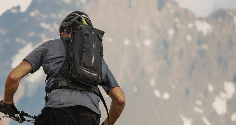 Choosing Mountain Biking Backpack