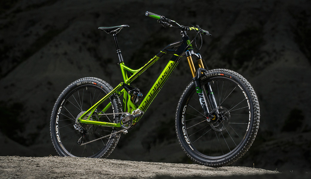 GOOD LOOKING MOUNTAIN BIKE