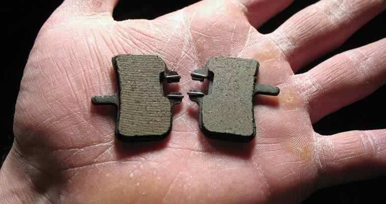 SHORT GUIDE TO MOUNTAIN BIKE DISC BRAKE PADS